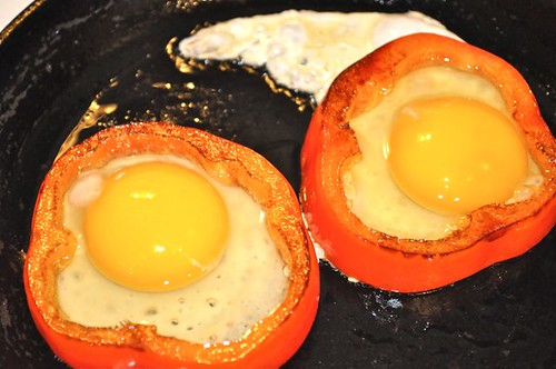 eggs in pepper ring 4