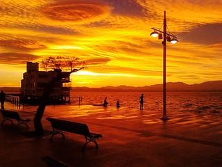 Amanecer en la bahía. Foto: Miguel Á. Miguélez.
