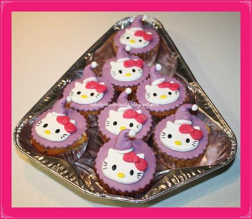Cupcakes Hello Kitty  lilás Arco iris by Osbolosdasmanas