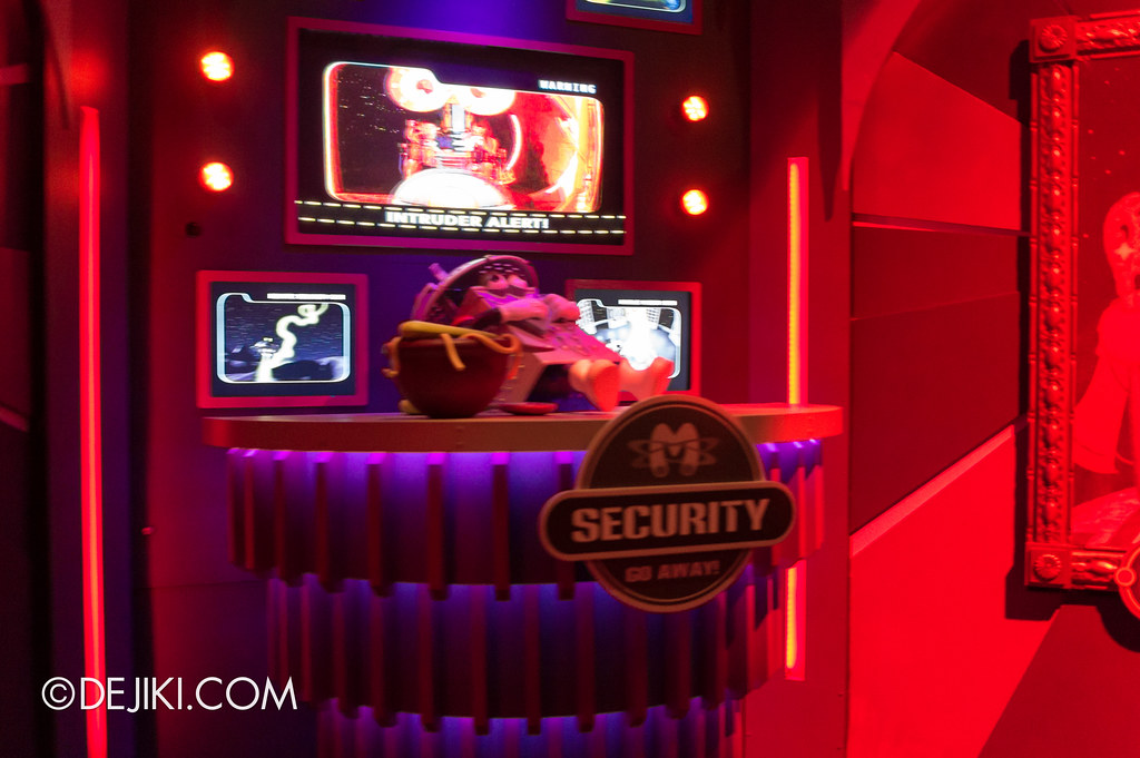 [On-Ride Photo] Spaghetti Space Chase - Lair Security Booth