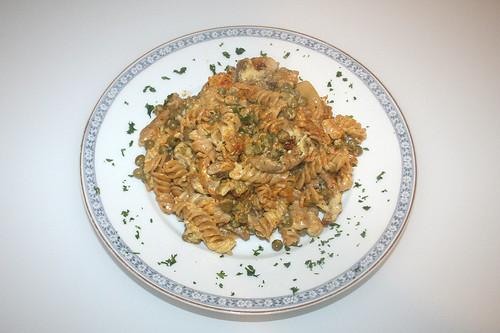 31 - Gyros-Nudelauflauf mit Sauce Hollandaise / Gyros pasta bake with sauce hollandaise - Serviert