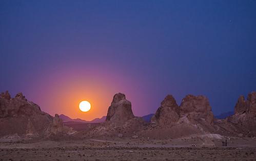 [フリー画像素材] 自然風景, 岩山, 月, 風景 - アメリカ合衆国 ID:201303240600