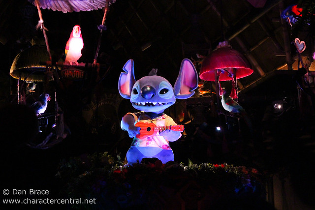 The Enchanted Tiki Room: Stitch Presents Aloha E Komo Mai!