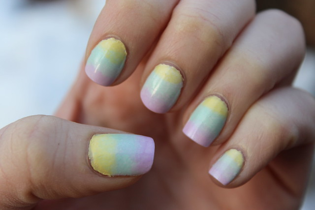 Living After Midnite: Easter Egg Nails