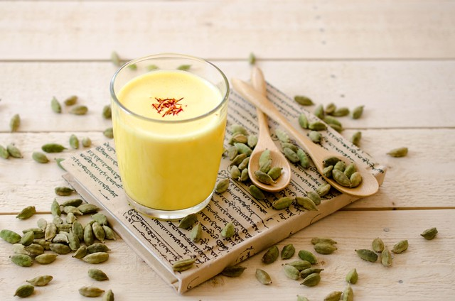 Badam Milk with Saffron (Indian Style Almond Milkshake)