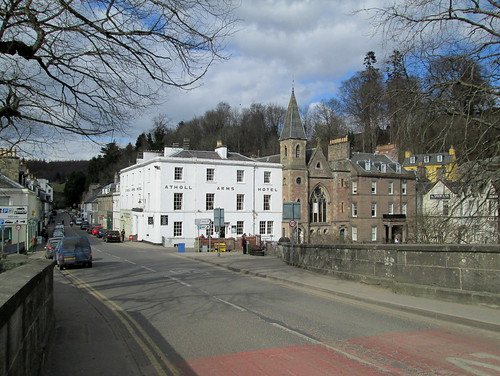 Dunkeld from bridge