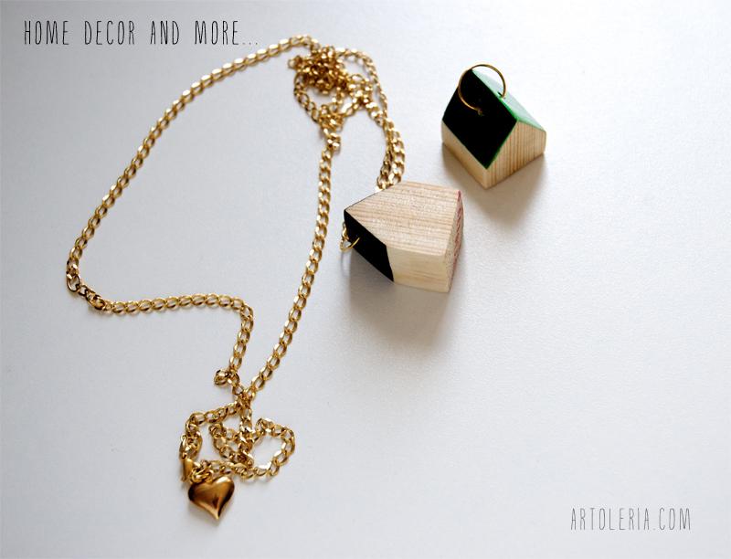 collane di legno a casetta