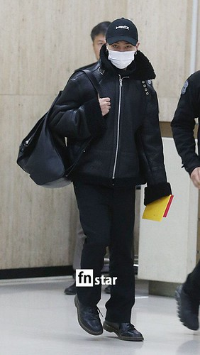 BIGBANG (wout Seungri) arrival Seoul Gimpo from Beijing 2016-01-02 (32)