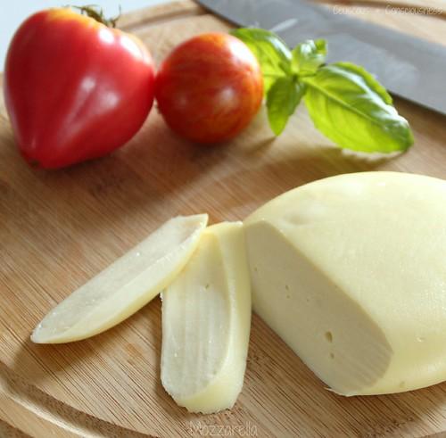 Tomato, Basil & Mozzarella Salad 1