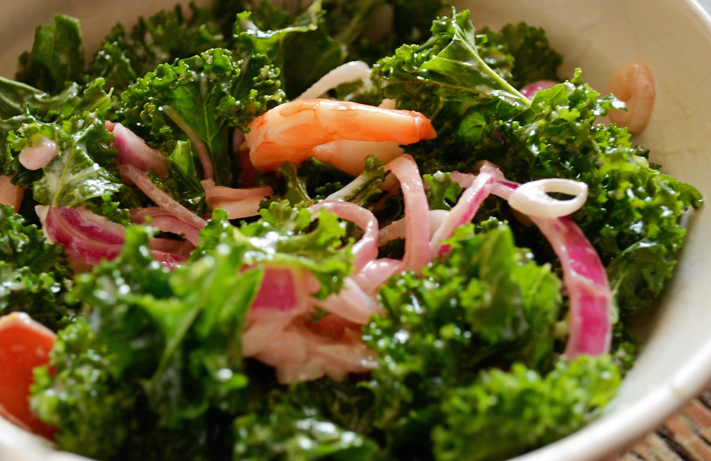 Kale shrimp salad