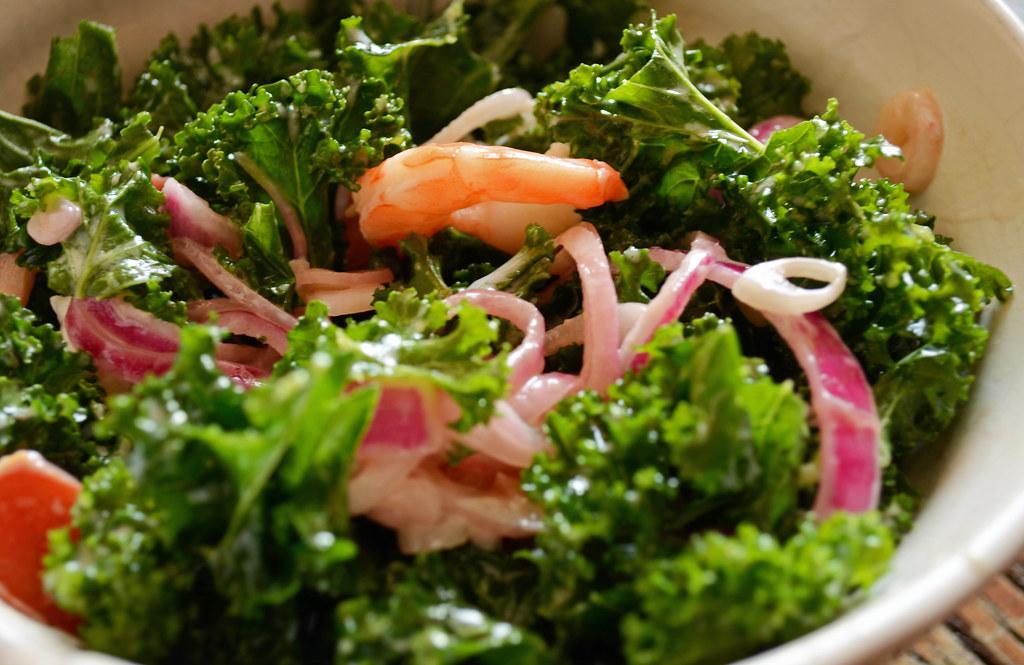 Kale shrimp salad