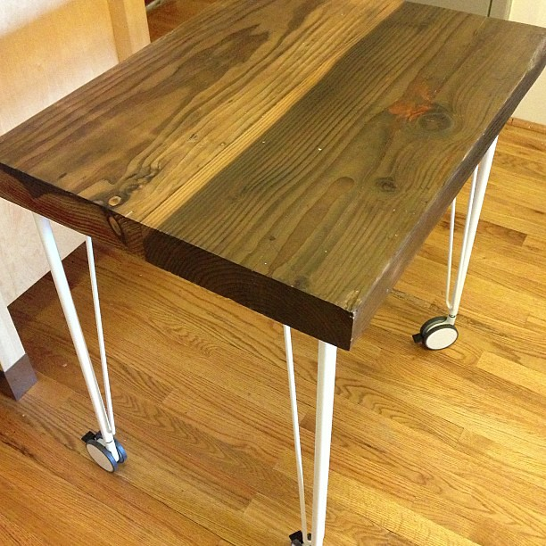 and the reclaimed wood kitchen table on ikea hairpin legs with casters flickr photo. Black Bedroom Furniture Sets. Home Design Ideas