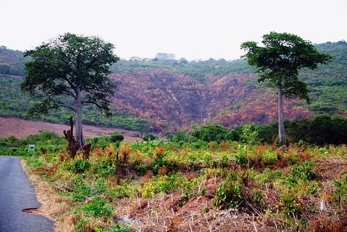 road bend curves drop hills ghana eastern region aburi sheer dodowa paulinuk99999 larteh akwapem