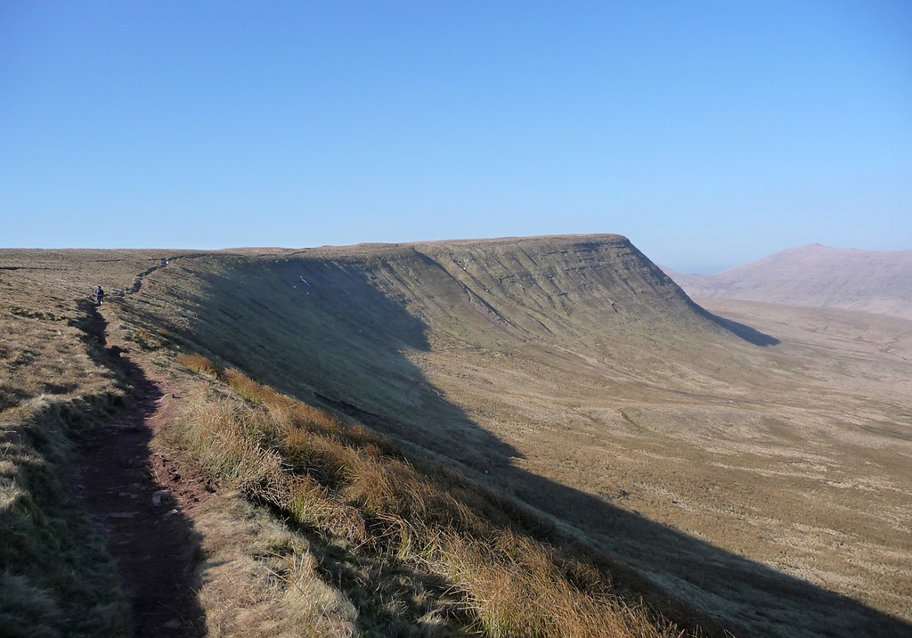 2938429353 - Pen y Fan Horseshoe