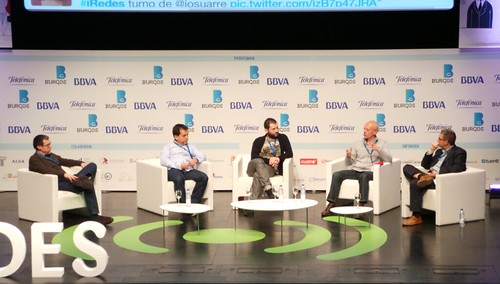 Mesa redonda sobre viralidad en #iRedes