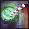 Super~Green~Smoothie morning w/ spirulina & bee pollen! #raw #green #menoum #vegan #superfoods #springtime #kale