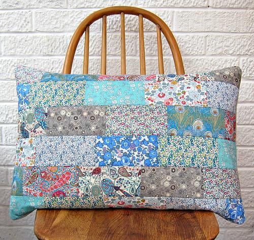Liberté coussin en patchwork (bleu / gris)