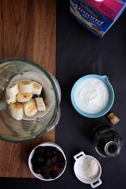 almond milk smoothie: three ways