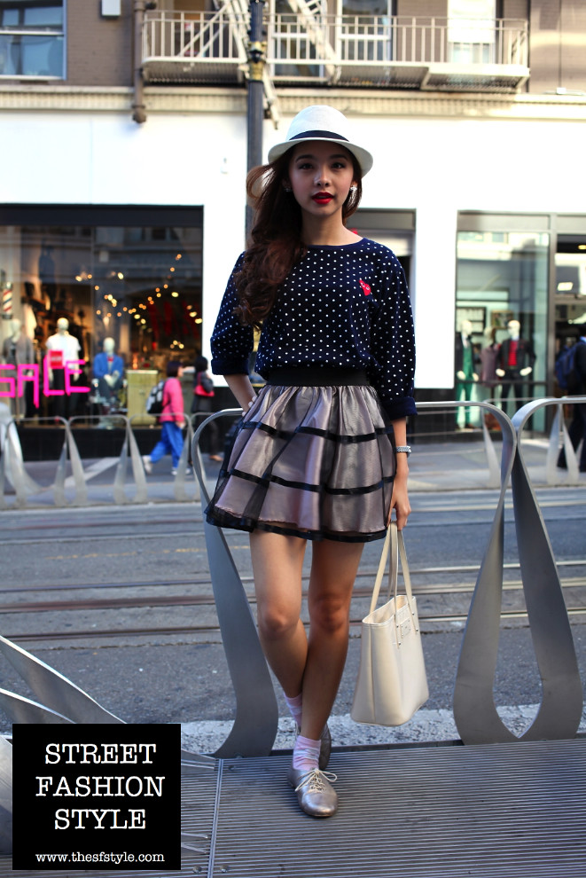 red lipstick, sheer outer layer skirt, polka dots, hat, san francisco fashion blog, street fashion style, thesfstyle,