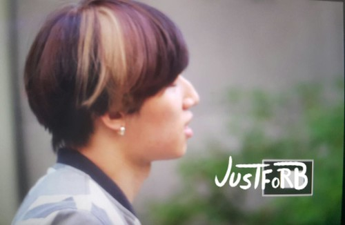 BIGBANG KBS Sketchbook - leaving after rehearsals 2015-06-02 001