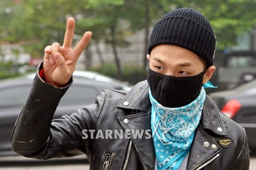 Taeyang BIGBANG KBS Music Bank arrival 2015-05-15 PRESS003