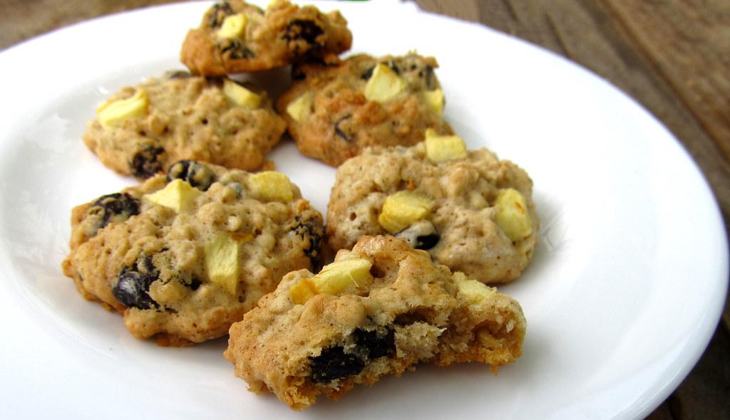 Cookies de aveia, maca e passas