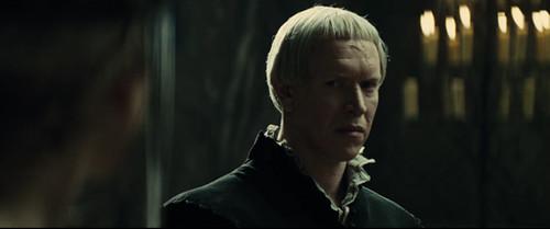 snow-white-finn sam spruell bad hair