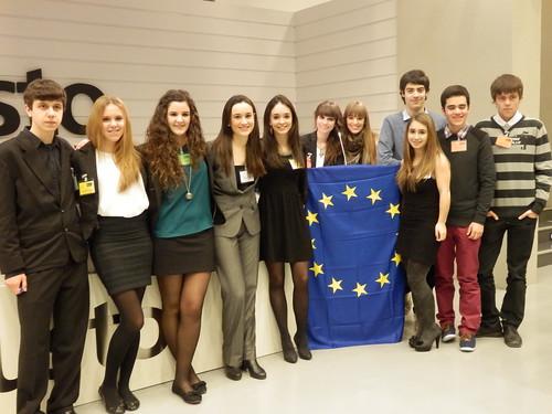 Arizmendi Ikastolako ikasleak Europako Parlamentuko lehiaketan.