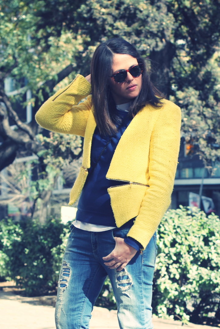 Look yellow blazer + blue -  monicositas
