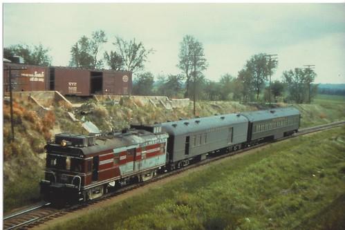 1950s lincolnnebraska doodlebug rockislandrailroad train26 collegeviewsiding33rdandsheridan crip9009