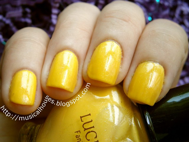 etude house glittering bloom yellow 1