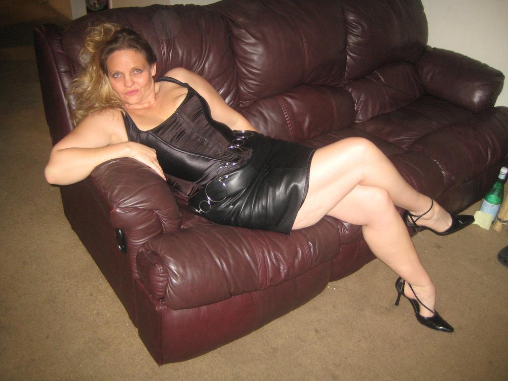 Mature bbw heels