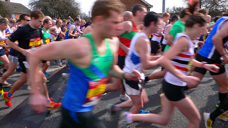 Lincoln 10k Race - They're Off