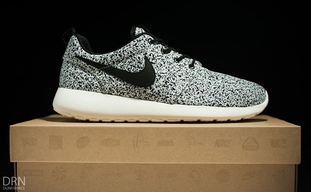 hbvooa Roshe Run Black And White Speckled webmaximum.ca