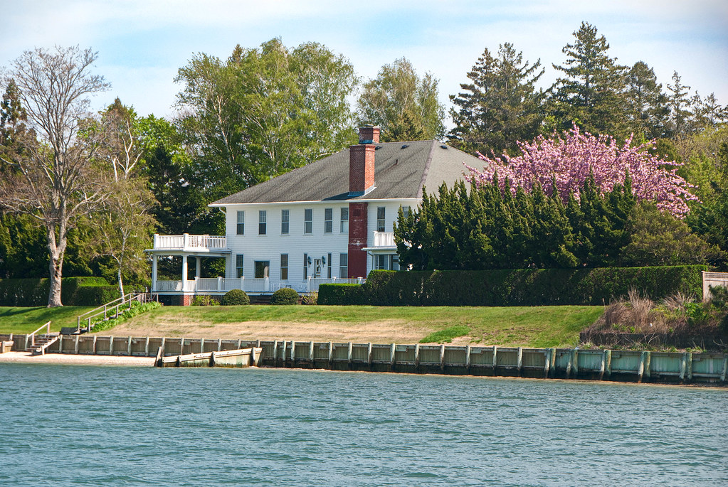 Seven Bed And Breakfast Shelter Island