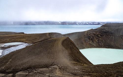 askjavulkaan iceland öskjuvatnmeer van askja víti explosiekrater kratermeer lavaformaties norðurlandeystra ijsland is absolutelystunningscapes