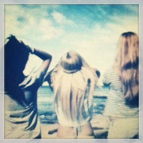 Well don't we fail at this #lastdayofsummer -#sunny  #summer #fun #happydays #happy #hair  #memories #friends #Robin #daisy # #amazing #greatgirls  #friends  #brunette #blonde #golden