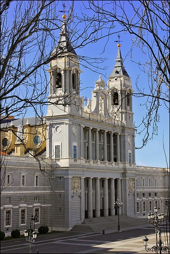 MADRID (07/02/2013): Catedral de Santa María la Real de la Almudena.