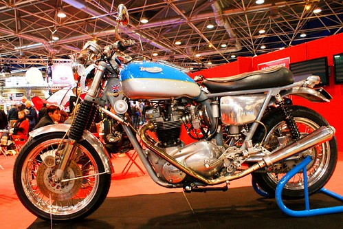 Triumph 650 by Cédric JANODET