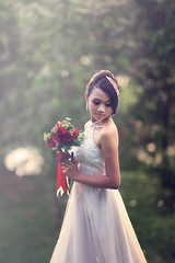 [Free Images] People, Women - Asian, Events, Wedding, Wedding Dress, People - Flowers / Plants ID:201302221800
