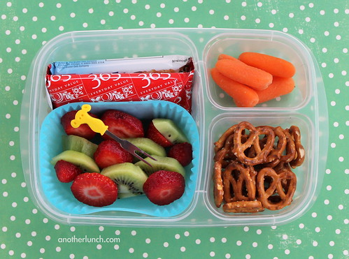 EasyLunchboxes fruit carrots pretzels bars school lunch