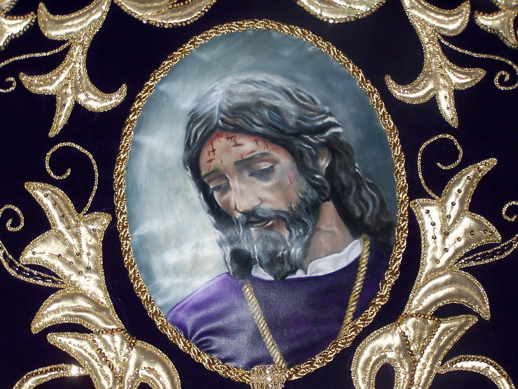 Padre Jesús sale el Viernes Santo, pasado el mediodía. La Hermandad de los Negros se fundó en 1782. Detalle del estandarte de Los Negros. FOTO: ÁNGEL MEDINA LAÍN
