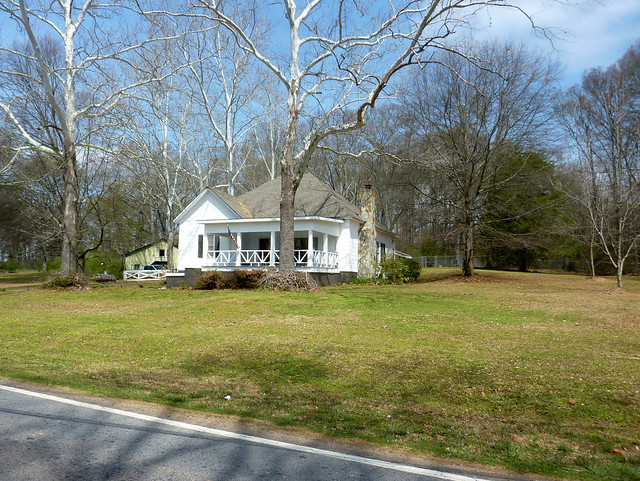 P1180408-2013-03-30-Ellenwood-Georgia-Vernacular-House-porch-stone-chimney