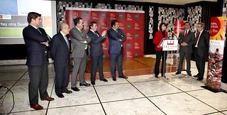 """Un momento de la intervención de Mª Dolores Bravo en el """"workshop"""" de Bilbao, con Amador Sánchez a su izquierda."""