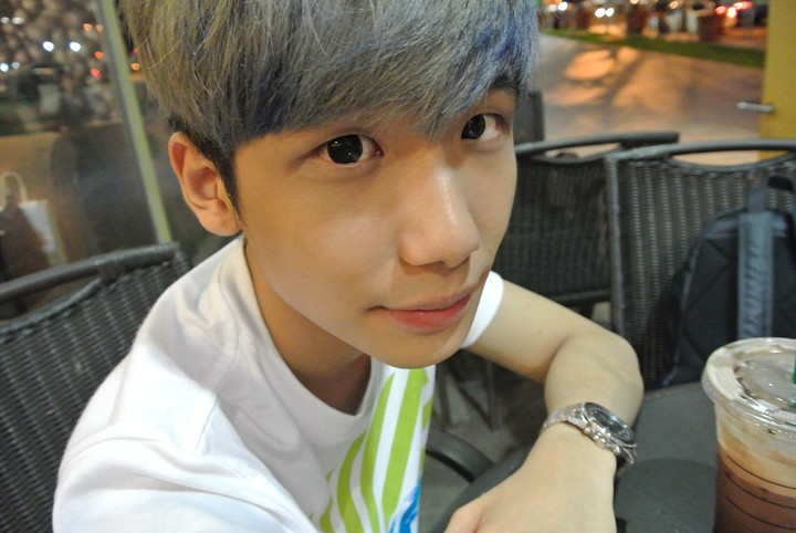 typicalben starbucks selca by nikon 1 J2