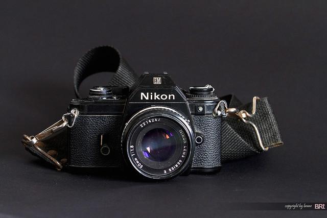 Nikon_EM