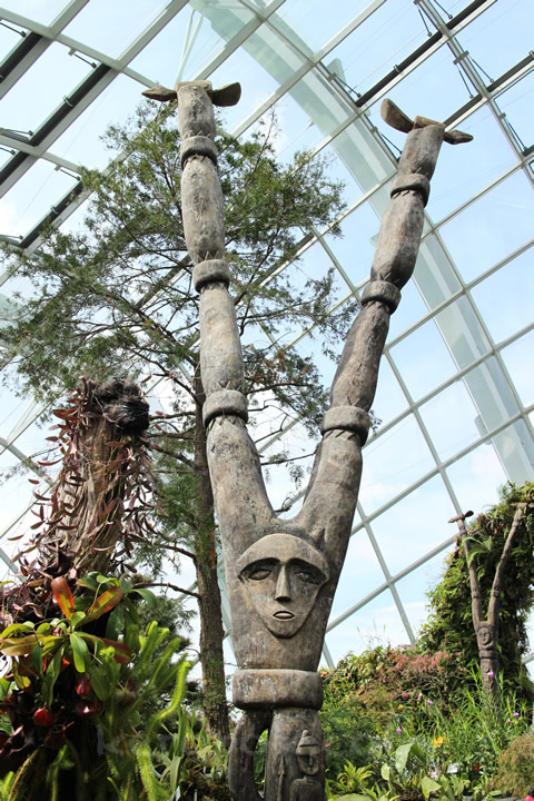 Bifurcate Totems, Gardens by the Bay