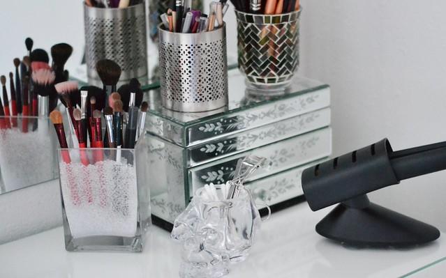 brush holder beads. makeup brush storage middot dsc 8711 pour the beads holder t