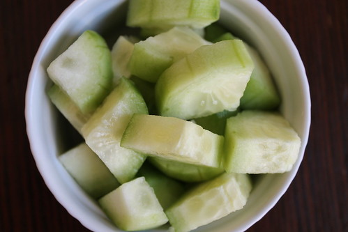 Natural Beauty DIY - Homemade Cucumber Eye Gel Recipe
