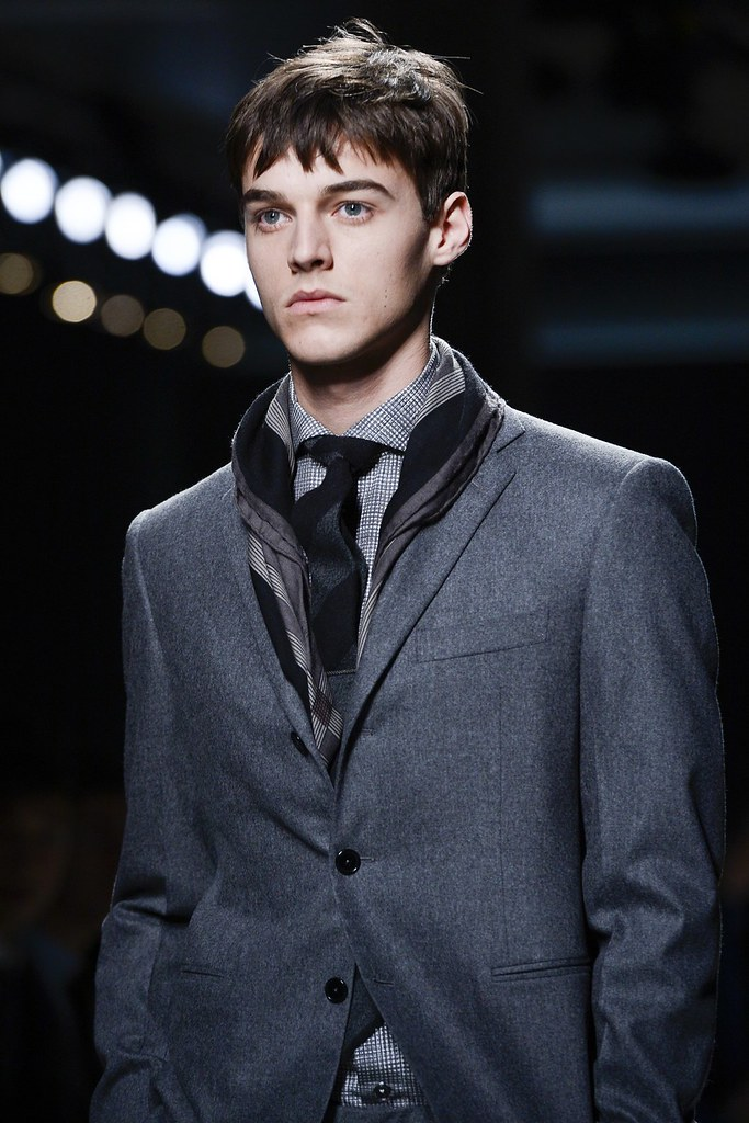 Robbie Wadge3626_FW13 Milan Bottega Veneta(VOGUE)